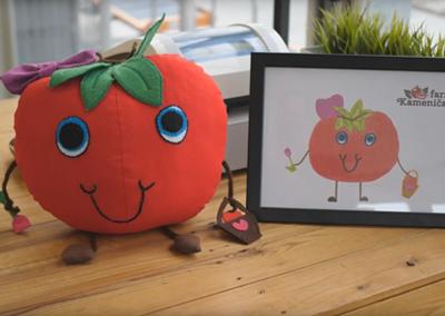 Výherkyně plyšové hračky podle nakresleného obrázku – Farma Kameničany